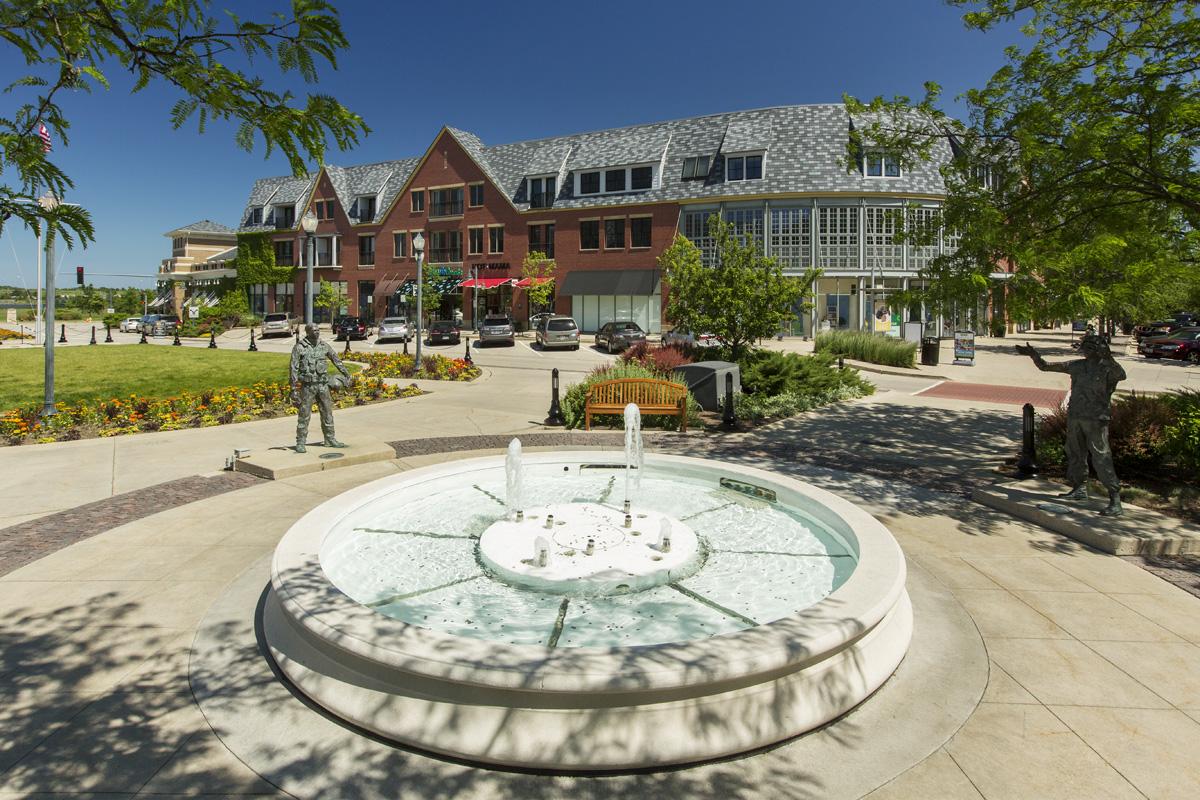 Glen town center