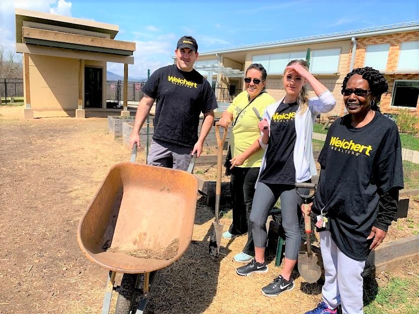ISAAC DICKSON ELEMENTARY SCHOOL - Volunteer Gardening Day