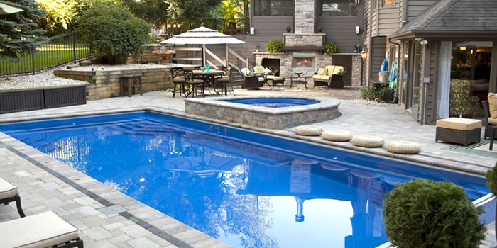 5 Perks of Buying Home With A Swimming Pool