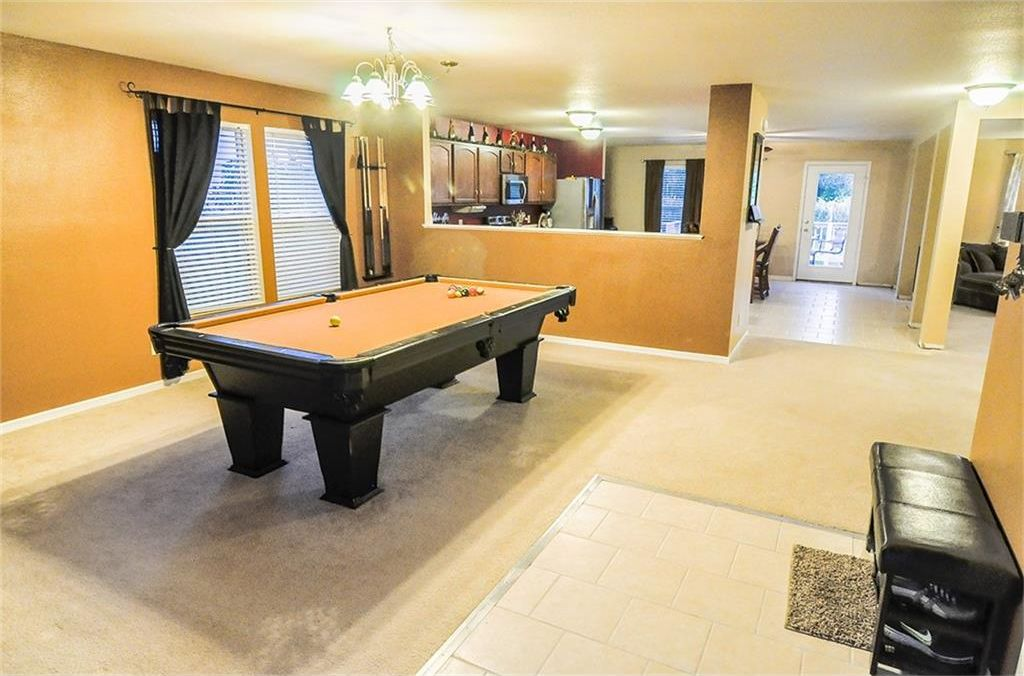 535 Reed Court Greenfield IN 46140 Pool Table and Entertainment Room