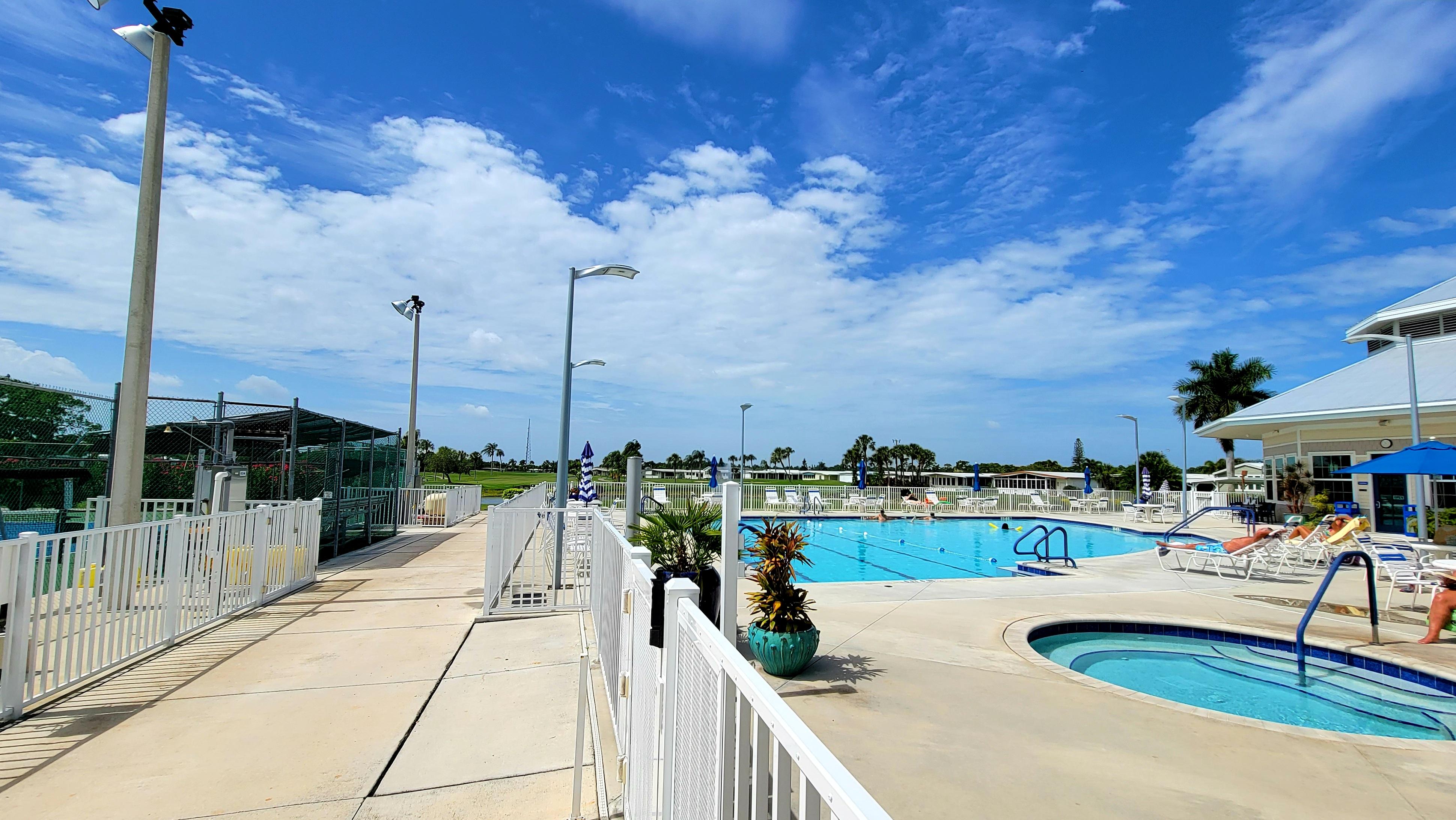 Six Lakes Community Pool