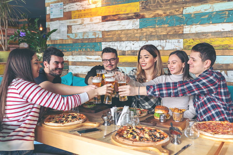 Eat great pizza near Lake Delton property at Moosejaw