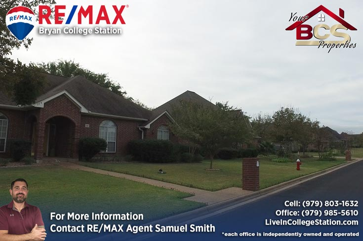 brandon heights college station texas home with curb appeal