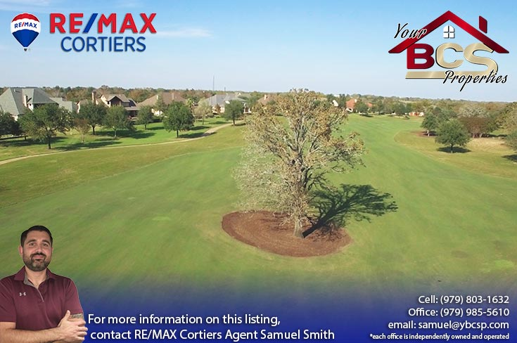 miramont bryan texas subdivision golf couse, iconic tree and suburban homes