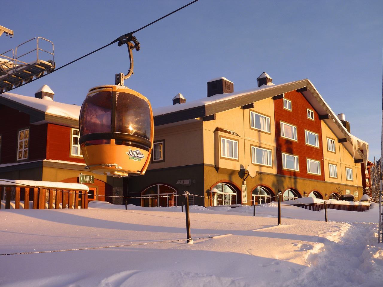 ski lift and real estate in big white, bc
